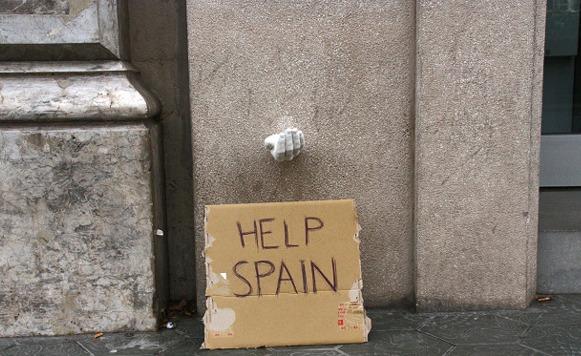 Hands–Magica intervención urbana sobre la crisis en España (por Iohanna Küppers)