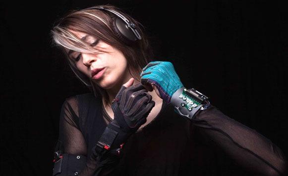 Mi Mu Glove for Music-Para hacer música haciendo gestos con las manos (por Rafa Caivano)