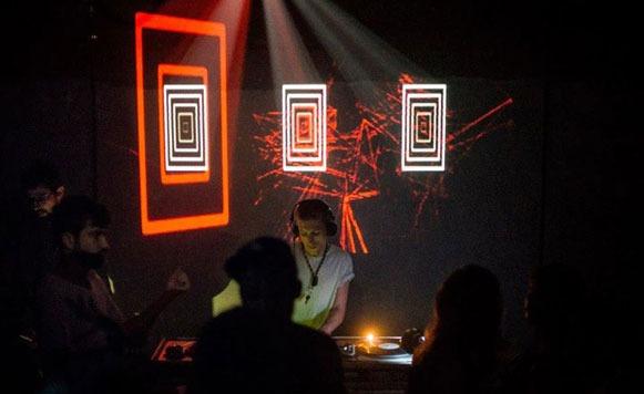 Manara-Ihnteractions (por Leonidas Ghione aka Loopiando – Domina Records – name your price)